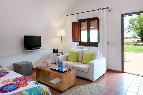 Suite Junior con acceso gratuito al spa Mas Falgarona Hotel Boutique & SPA 6