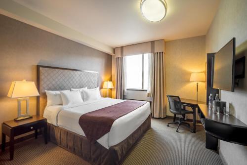 Acclaim Hotel Calgary Airport - Calgary, AB T3N 0A3
