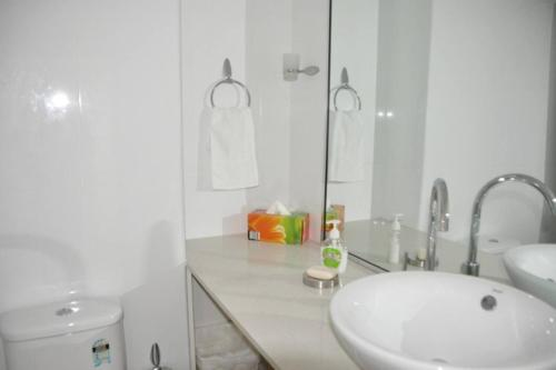 Accommodation Sydney City Centre - Hyde Park Plaza 3 bedroom 1 bathroom Apartment - image 2