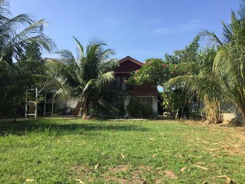 Banda Aceh Batoh Home - same gender & family only, Banda Aceh