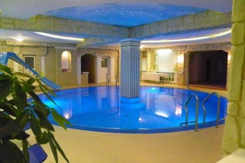 . Hotel Mirage