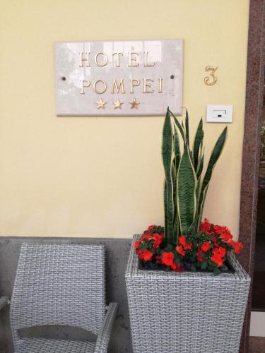 __{offers.Best_flights}__ Hotel Pompei