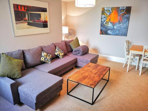 Beach Side Getaway With Patio In Exciting Kemptown
