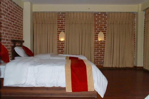 . HOTEL LAYAKU DURBAR