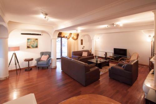 . Central Exclusive Apartment/Penthouse