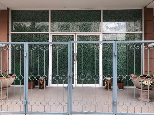 Bangkok Pattana school Sukhumvit BTS Bangna BITEC Four Sets Room Vil Bangkok Pattana school Sukhumvit BTS Bangna BITEC Four Sets Room Village