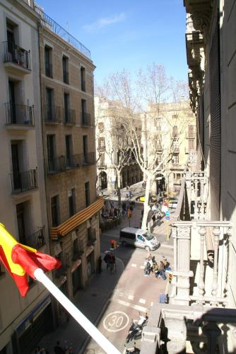Hostal MiMi Las Ramblas photo 4