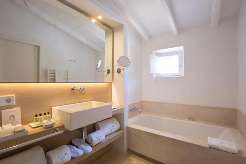 Habitación Doble con terraza Can Simoneta - Adults Only 5