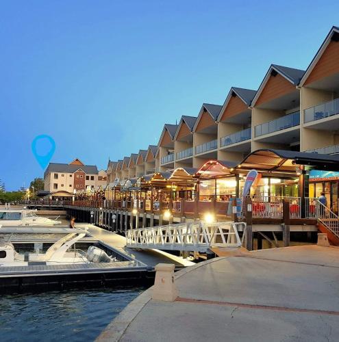 . Oceanic Apartment