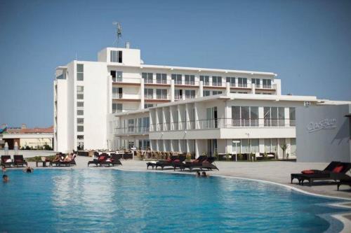 . Sea Breeze Apartments