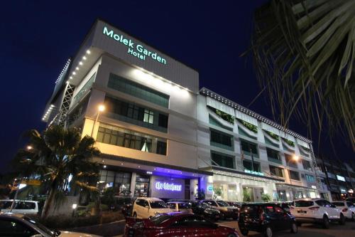 . Molek Garden Hotel