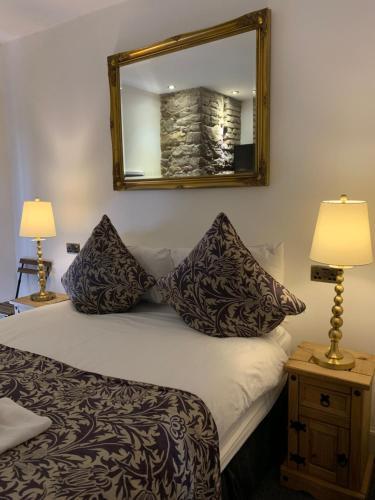 Hotel Royal Mile Sir Hume Residency