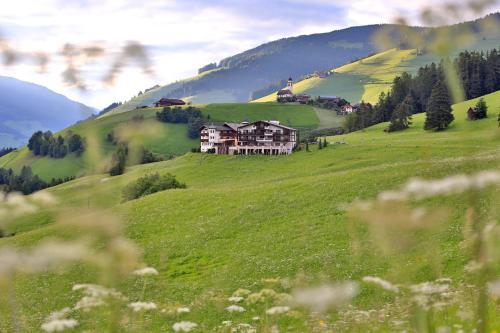 Bella Vista Hotel Emma - San Vigilio di Marebbe / St Vigil in Enneberg