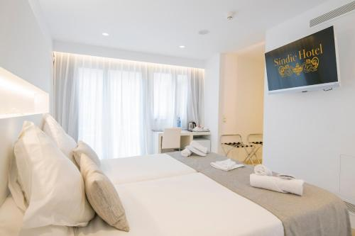 Double Room with Patio Sindic Hotel - Adults Only 1