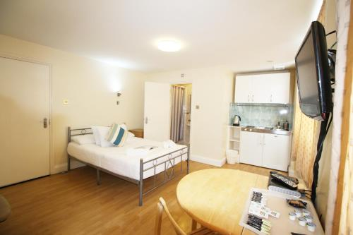 Flexistay Aparthotel Tooting picture 1 of 26