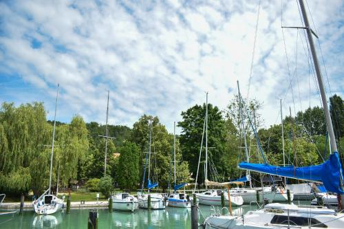 __{offers.Best_flights}__ Tihany Yacht Club