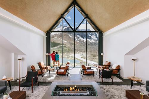 Glacier View Lodge - Hotel - Sunwapta