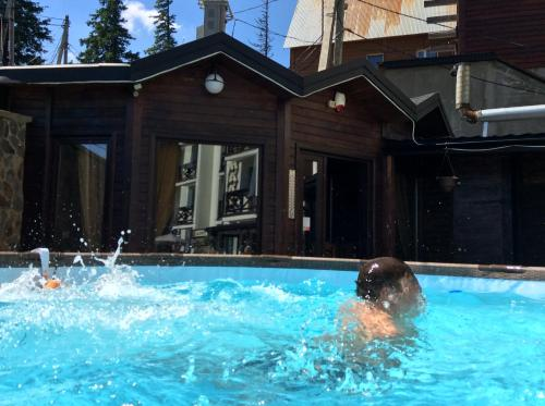 Hotel Adrenalin - Dragobrat