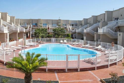 . Las Arenas apartamento 2P piscina Caleta de Fuste by Lightbooking