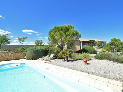 Single storey villa with private pool and large garden on the edge of wine village - Accommodation - Saint-Jean-de-Minervois