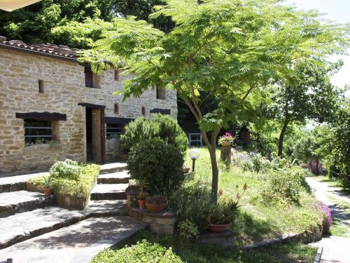. Spacious Apartment in Emilia-Romagna with garden