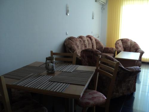 Apartamento com Varanda (Apartment with Balcony)