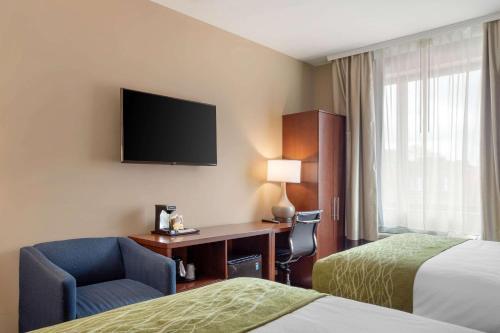 Comfort Inn & Suites near JFK Air Train - image 6