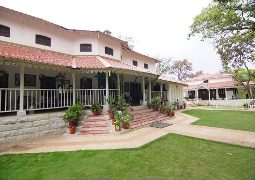 . MPT Devdaru Bungalow, Pachmarhi