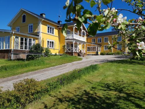 Nygården B&B Hälsingegård - Accommodation - Harmånger