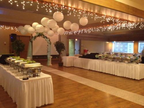 Slave Lake Inn and Conference Centre - Slave Lake, AB T0G 2A0