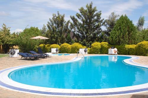 . White Castle Hotel Arua