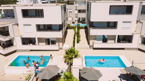. Apartments & Rooms Danivan Pool Villas