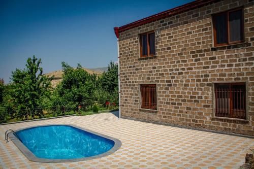 Ayrivank Guest House