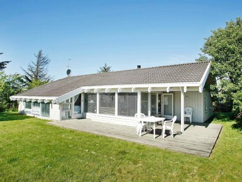 . Three-Bedroom Holiday home in Bindslev 1