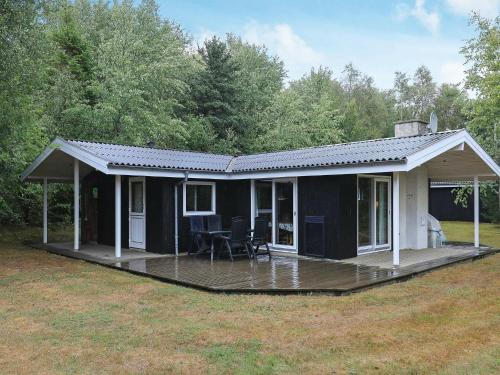 . Three-Bedroom Holiday home in Roslev 9