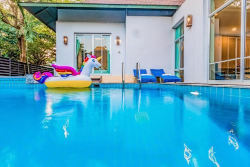 芭堤雅纳中天2卧泳池别墅 Pattaya Na Jomtien 2-Bedroom Villa 芭堤雅纳中天2卧泳池别墅 Pattaya Na Jomtien 2-Bedroom Villa