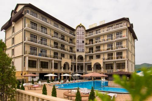 . Hotel Grand Noy