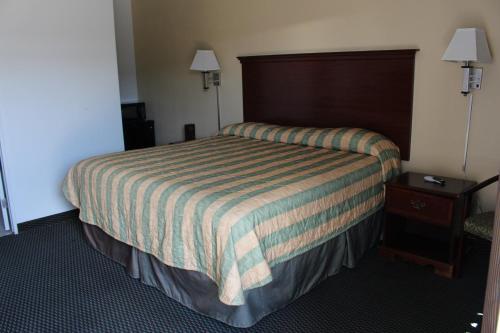 . Deluxe Inn Fort Stockton