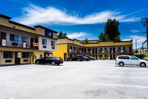 . Starlight Inn South El Monte