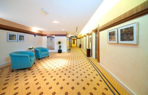 City Seasons Al Hamra Hotel photo 26