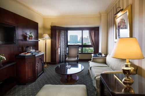 Pyramisa Suites Hotel Cairo - image 11