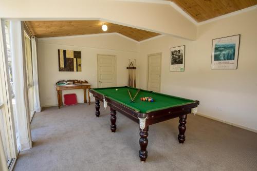 Фото отеля The Birch House - Silver Birches Luxury Accommodation Bright