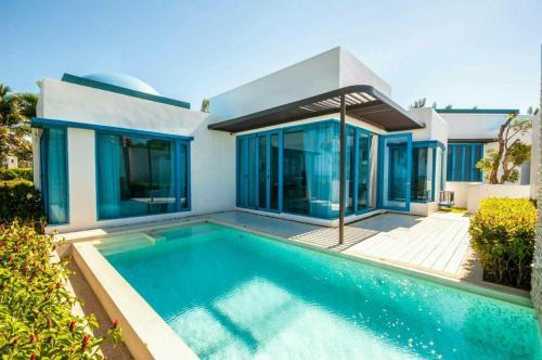 Luxury Beachfront Villa @The Crest Santora Huahin Luxury Beachfront Villa @The Crest Santora Huahin