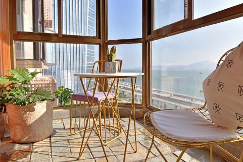 . Ocean view apartment with beach