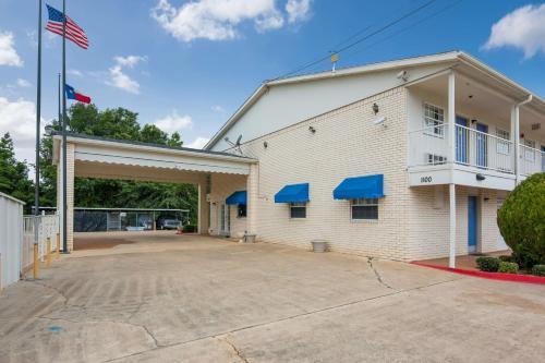 . Motel 6-Atlanta, TX