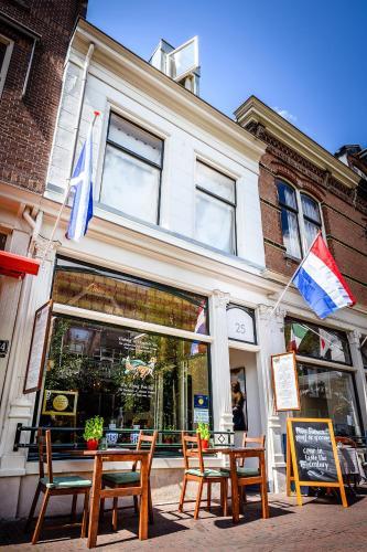 De Vliegende Vos het geboortehuis van Johannes Vermeer, Pension in Delft