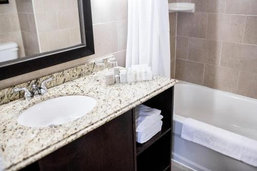 The Lord Nelson Hotel & Suites - Halifax, NS B3J 2L2