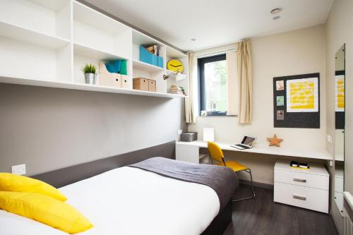 Modern Student-Only Ensuite Rooms In Manchester City Centre picture 1 of 36