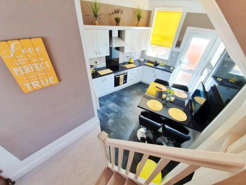 Buttercup Suite Sasco Apartments