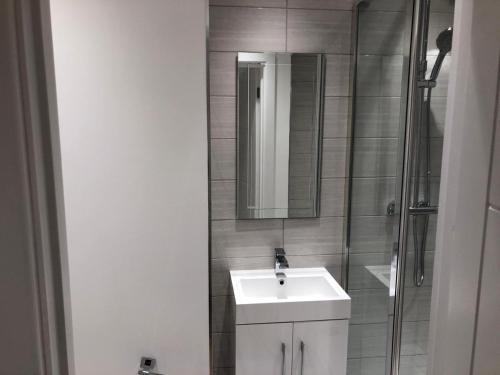 Picture of Luxury Apartment- Sloane Avenue
